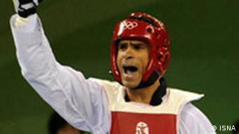 هادی ساعی در سال ۲۰۰۲ مدال طلای بازیهای آسیایی را به گردن آویخت