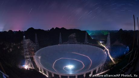 China inaugura maior radiotelescópio do mundo