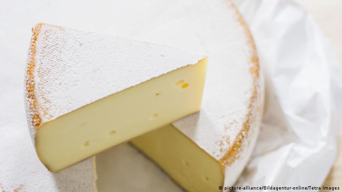 Schweizer Käse (picture-alliance/Bildagentur-online/Tetra Images)