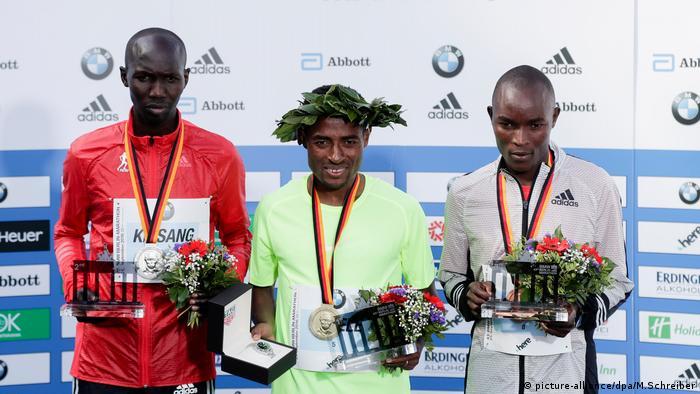Wilson Kipsang Kenenisa Bekele Evans Chebet Berlin Marathon Deutschland (picture-alliance/dpa/M.Schreiber)