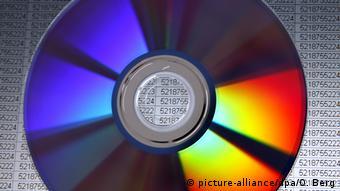 7 δις ευρώ απέφερε στη ΒΡΒ άμεσα και έμμεσα η αγορά των CD