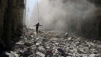 Syrien Aleppo Trümmer nach einem Luftangriff
