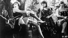 Deutschland Geschichte Film Filmszene Der blaue Engel mit Marlene Dietrich
