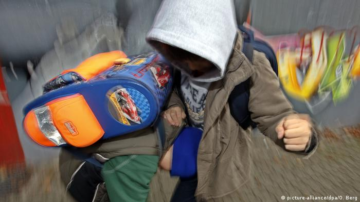 Stock photo - School violence in Germany (picture-alliance/dpa/O. Berg)