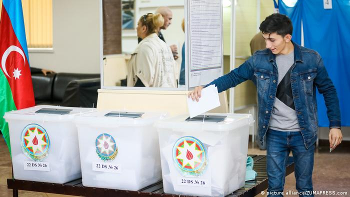 Aserbaidschan Referendum Baku (picture alliance/ZUMAPRESS.com)