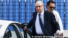 26 September 2016*** epa05557032 Former President of Bankia and International Monetary Fund director, Rodrigo Rato (L) returns to court after a break in his trial at the Audiencia Nacional court in San Fernando de Henares on the outskirts of Madrid, Spain, 26 September 2016. The former chairmen and 63 other officials from Bankia and the savings bank Caja Madrid are accused of abusing corporate credit cards, known as 'Black Cards', for personal expenses by former executives and board members of Caja Madrid. EPA/BALLESTEROS | picture alliance/dpa/Ballesteros