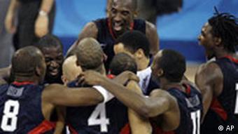 Koby Bryant und US Kollegen Basketball feiern Sieg gegen Spanien Olympia China 2008