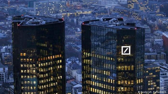 Deutschland Deutsche Bank in der Krise (Reuters/K. Paffenbach )
