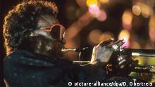 11.07.1988 Miles Davis, der König der Jazz-Trompeter eröffnete am 11.07.1988 den Jazz-Gipfel in Stuttgart. Foto: Dominik Obertreis +++(c) dpa - Report+++ Copyright: picture-alliance/dpa/D. Obertreis