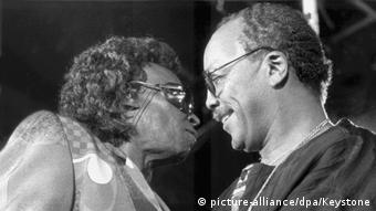 Miles Davis and Quincy Jones in Montreux, 1991 (picture-alliance/dpa/Keystone)