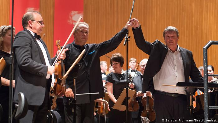 Boris Berezovsky with the Ural Philharmonic Orchestra and conductor Dmitri Liss at the Beethovenfest (Barbara Frommann/Beethovenfest)