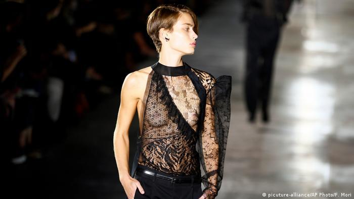 We fashion germany gmbh co.kg 28