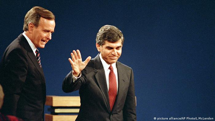 TV Duelle George Bush und Michael Dukakis (picture alliance/AP Photo/L.McLendon)