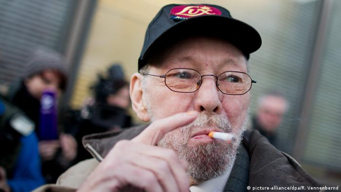 Raucher Friedhelm Adolfs