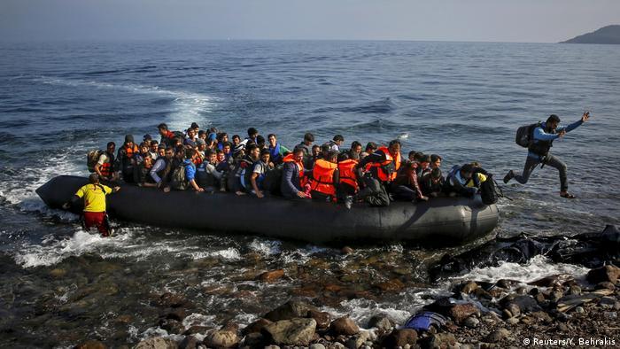 Griechenland Flüchtlinge erreichen Lesbos (Reuters/Y. Behrakis)