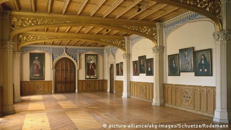 Σ' αυτή την αίθουσα ο Μαρτίνος Λούθηρος παρέδιδε μαθήματα σε φοιτητές που έρχονταν εδώ από όλη την Ευρώπη. Πριν από 500 χρόνια η πόλη της Βιτεμβέργης θεωρούνταν το πνευματικό κέντρο της Ευρώπης.