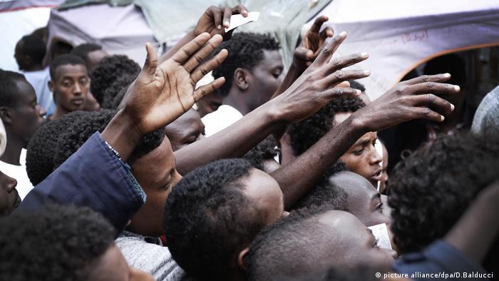 Italien Migranten Flüchtlinge Krise Finanzen (picture alliance/dpa/D.Balducci )