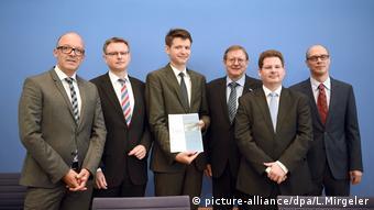 Экономические мудрецы на пресс-конференции в Берлине