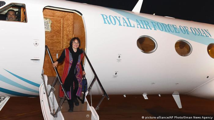 Iran Freilassung Homa Hoodfar (picture-alliance/AP Photo/Oman News Agency)