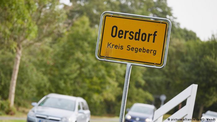 Deutschland Oersdorf Ortsschild (picture-alliance/dpa/G. Wendt)