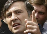 Saakaschwili  gestikuliert (Foto: AP)