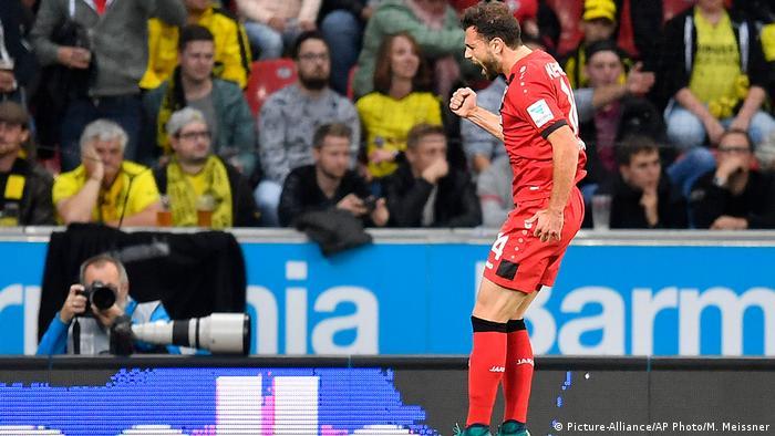 Fussball Bundesliga Bayer 04 Leverkusen vs Borussia Dortmund (Picture-Alliance/AP Photo/M. Meissner)