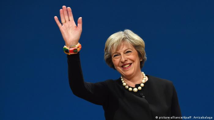 Großbritanniens Premierministerin Theresa May beim Parteitag der Tories in Birmingham (picture-alliance/dpa/F. Arrizabalaga)