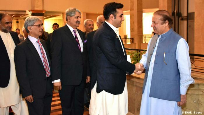 Pakistan PM Nawaz Sharif meets leaders from other political parties in Islamabad