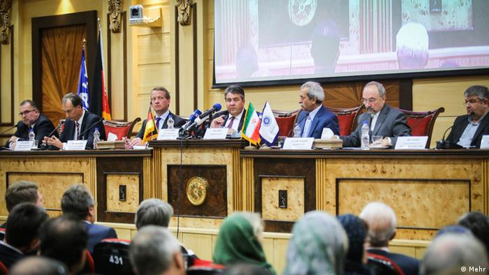 یادگار دورانی خوش: زیگمار گابریل، وزیر اقتصاد آلمان در تهران (اکتبر ۲۰۱۶)