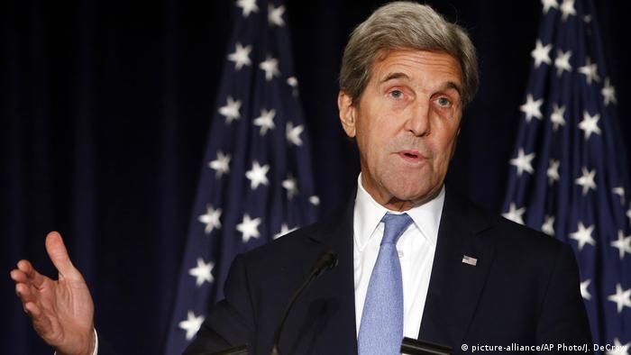 USA Russland Diplomatie John Kerry US Außenminister (picture-alliance/AP Photo/J. DeCrow)
