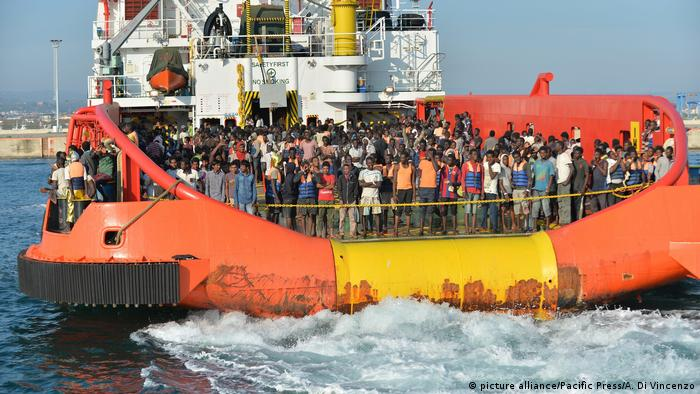 Migrants on Italian ship (Photo by Alfonso Di Vincenzo / Pacific Press)