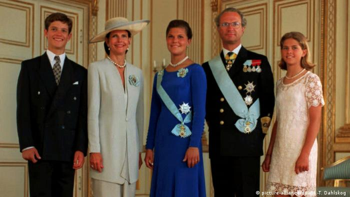 The Swedish royal family in 1995 (Copyright: picture-alliance/dpa/H.-T. Dahlskog )