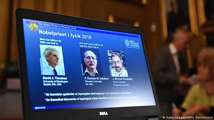 Schweden Bekanntgabe Physik-Nobelpreis 2016 in Stockholm (Getty Images/AFP/J. Nackstrand)
