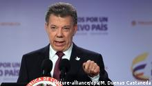 03.10.2016+++epa05568825 Colombian President Juan Manuel Santos, speaks during a press conference at Palacio de Narino, in Bogota, Colombia, 03 October 2016, one day after Colombians narrowly voted 'no' in the referendum on the peace deal between the Colombian government and the FARC rebel group. EPA/MAURICIO DUENAS CASTANEDA   (c) picture-alliance/dpa/M. Duenas Castaneda