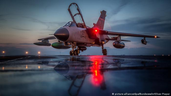 Німецький літак Tornado на військовій базі в Туреччині