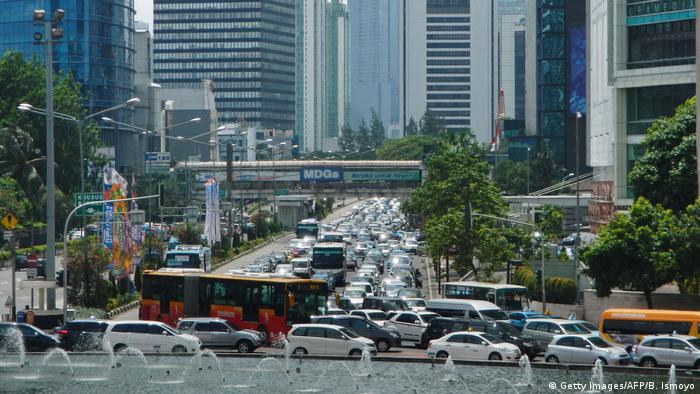 Indonesien Jakarta - Verkehr (Getty Images/AFP/B. Ismoyo)