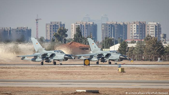 Самолеты на военной базе Инджирлик в Турции