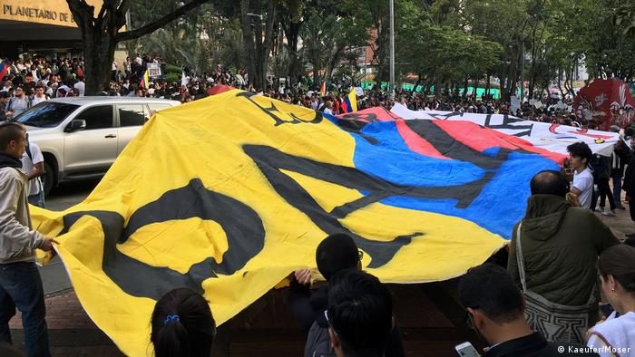 A demonstration for peace in Colombia (Kaeufer/Moser)
