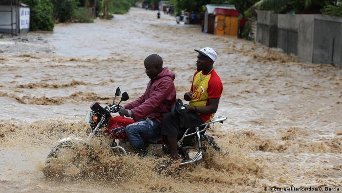 No Haiti, furacão causou enchentes