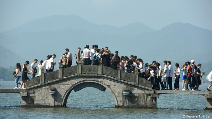 China Hangzhou - Touristen zur Golden Week (Reuters/Stringer)