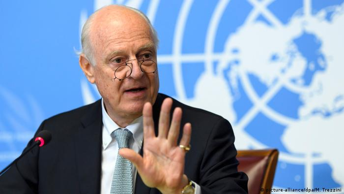Schweiz Genf Staffan de Mistura press conference (picture-alliance/dpa/M. Trezzini)