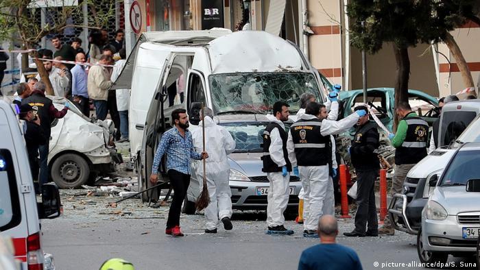 Türkei Istanbul Explosion im Stadtteil Yenibosna (picture-alliance/dpa/S. Suna)