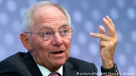 DW: Σόιμπλε υπέρ Ελλάδας και κατά ΔΝΤ