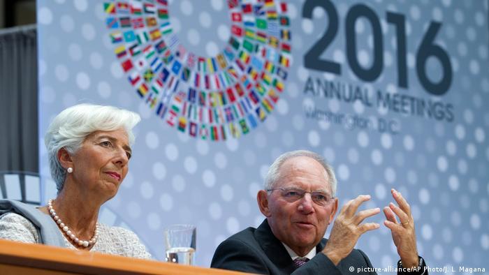 USA Washington Schäuble bei Jahrestagung IWF und Weltbank (picture-alliance/AP Photo/J. L. Magana)
