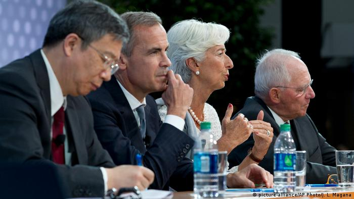 USA Washington Weltbank IWF Tagung Christine Lagarde, Wolfgang Schauble, Yi Gang, Mark Carney (picture-alliance/AP Photo/J. L. Magana)