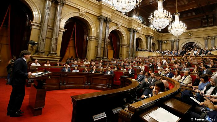 Spanien Parlament von Katalonien in Barcelona (Reuters/A.Gea)