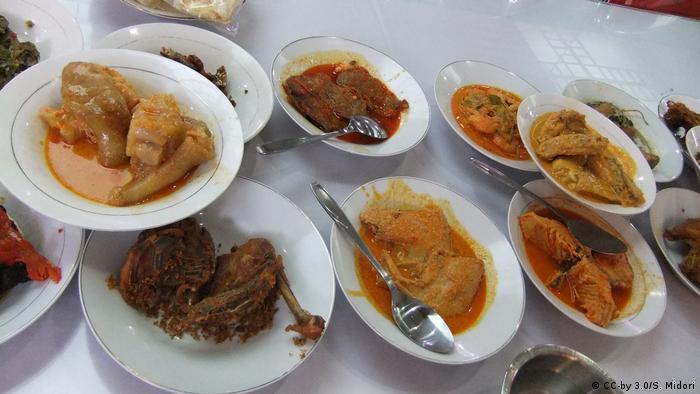 Indonesien Essen Padang (CC-by 3.0/S. Midori)