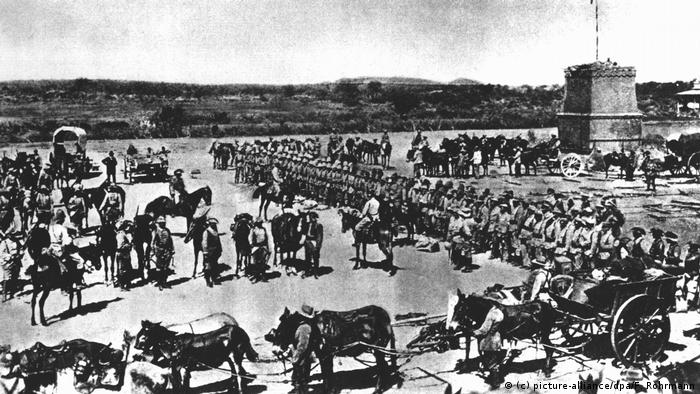 Archive photo Before the march into battle against the Herero people in German Southwest Africa, the 2nd Navy Field Company is officially consecrated. ( ((c) picture-alliance/dpa/F. Rohrmann)