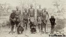 Überlebende Herero nach der Flucht durch die Wüste