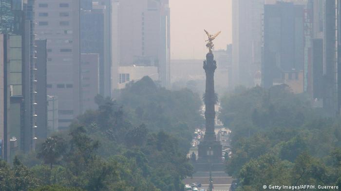 Mexiko Smog in Mexico City (Getty Images/AFP/H. Guerrero)